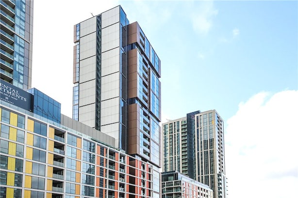 Property to buy in E14 8JH - CWF200003 - Canary Wharf - Picture No. 02