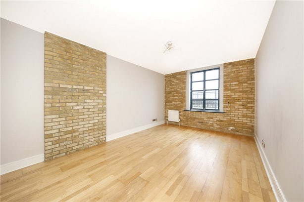 Property to rent in E14 8JH - CWL190965 - Canary Wharf Lettings - Picture No. 01
