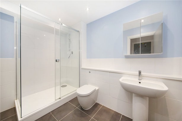 Property to rent in E14 8JH - CWL190965 - Canary Wharf Lettings - Picture No. 03