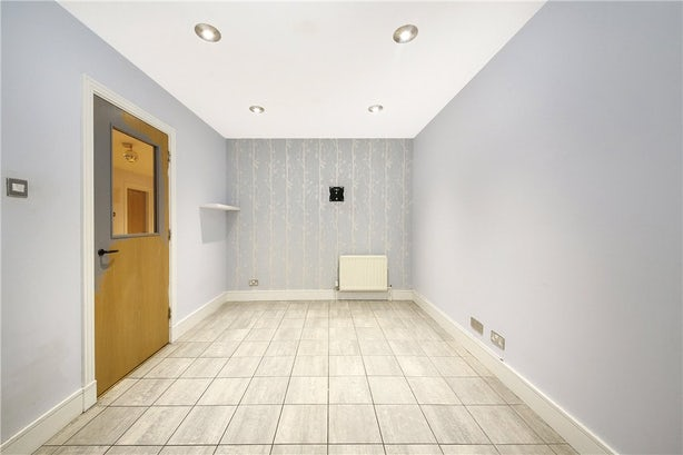 Property to rent in E14 8JH - CWL190965 - Canary Wharf Lettings - Picture No. 06