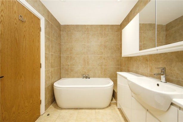 Property to rent in E14 8JH - CWL190965 - Canary Wharf Lettings - Picture No. 08