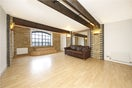 Property to rent in E14 8JH - CWL190965 - Canary Wharf Lettings - Picture No. 11