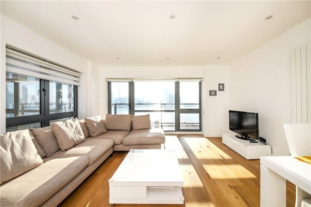 Property to rent in E14 8JH - CWL200120 - Canary Wharf Lettings - Picture No. 13