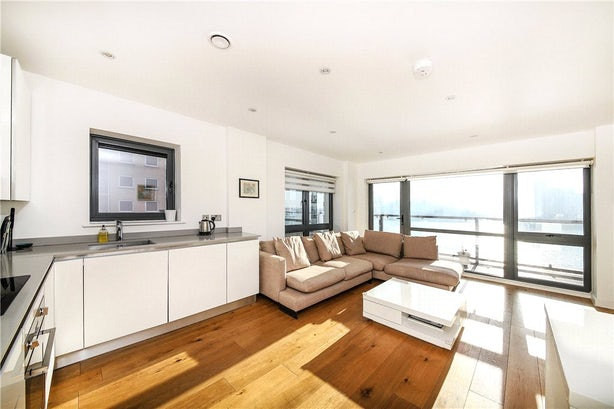 Property to rent in E14 8JH - CWL200120 - Canary Wharf Lettings - Picture No. 17