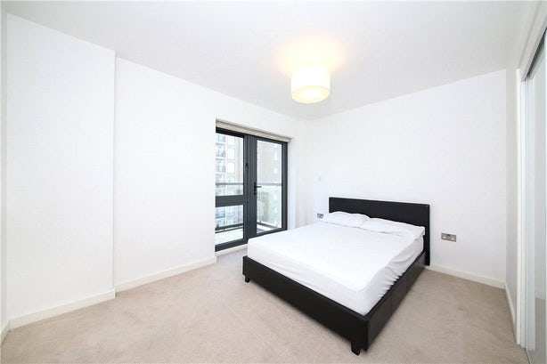 Property to rent in E14 8JH - CWL200120 - Canary Wharf Lettings - Picture No. 19