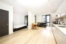 Property to rent in E14 8JH - CWL200347 - Canary Wharf Lettings - Picture No. 02