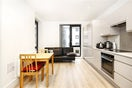 Property to rent in E14 8JH - CWL200347 - Canary Wharf Lettings - Picture No. 03