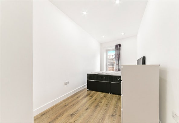 Property to rent in E14 8JH - CWL200368 - Canary Wharf Lettings - Picture No. 16