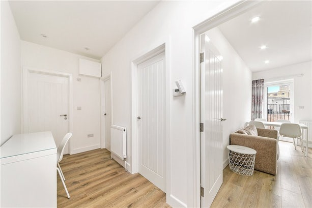 Property to rent in E14 8JH - CWL200368 - Canary Wharf Lettings - Picture No. 24