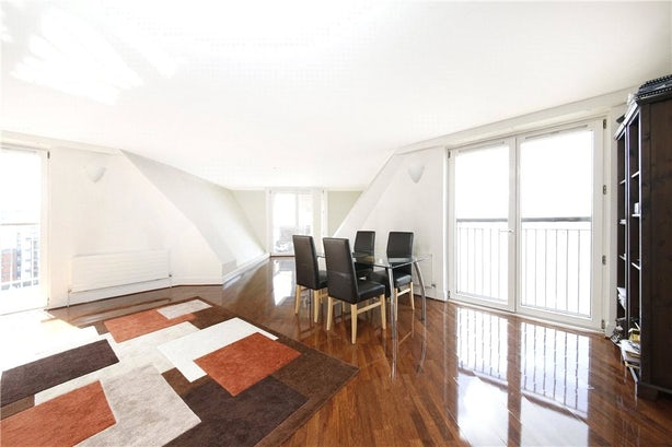 Property to rent in E14 8JH - CWL200489 - Canary Wharf Lettings - Picture No. 15