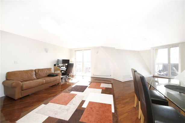 Property to rent in E14 8JH - CWL200489 - Canary Wharf Lettings - Picture No. 16