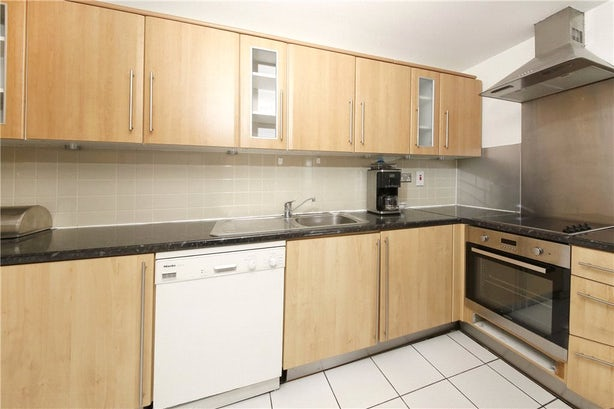 Property to rent in E14 8JH - CWL200489 - Canary Wharf Lettings - Picture No. 14