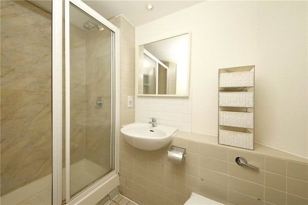 Property to rent in E14 8JH - CWL200489 - Canary Wharf Lettings - Picture No. 12