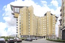 Property to rent in E14 8JH - CWL200489 - Canary Wharf Lettings - Picture No. 01