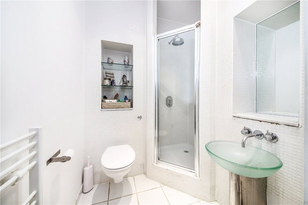 Property to buy in SE11 4EZ - KNL090458 - Kennington - Picture No. 01