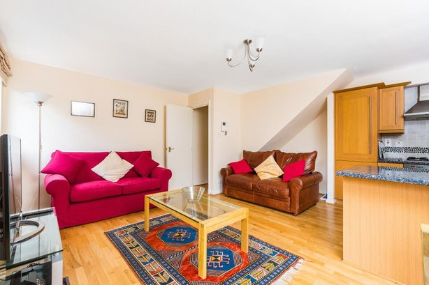 Property to rent in E1 8EY - CTY143974 - City Lettings - Picture No.01